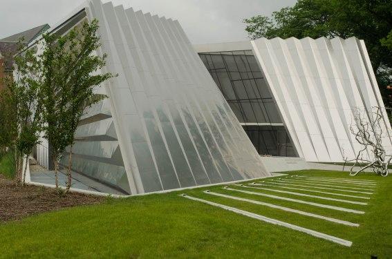 Broad Museum 230