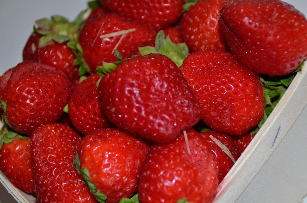 strawberries 006